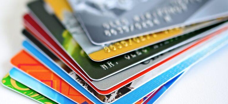 Кейс по генерации заявок на кредитные карты с помощью финансового супермаркета