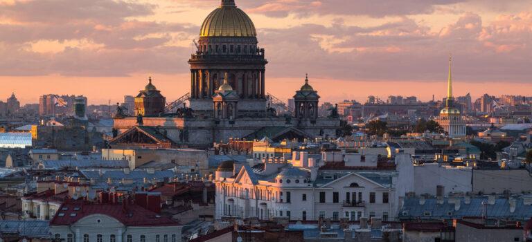 Заявки на экскурсии по крышам в Санкт-Петербурге через FB, 63 клиента по 260 рублей в конце сезона